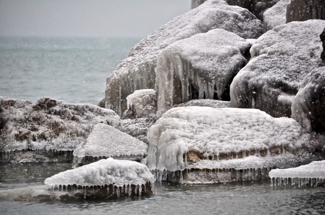 Icicles, Lake Forest Beach